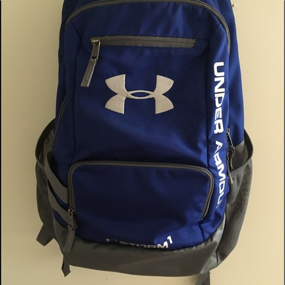 Navy blue UNDER ARMOUR backpack!! M 5b3951f89539f7259fc619a2 48afd90be5